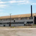 El hombre que fabricaba rayos en un hangar