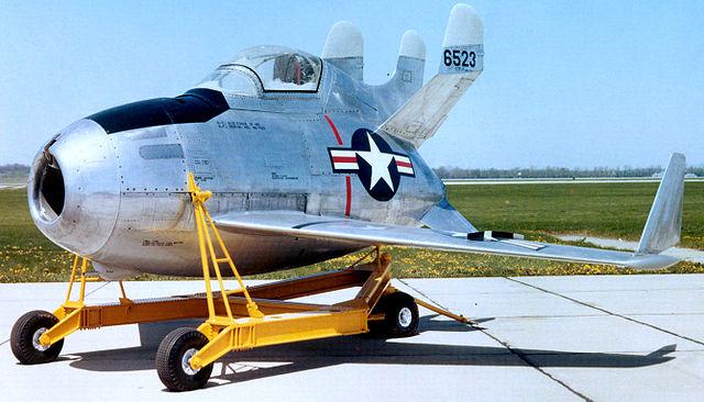 En el capítulo dedicado a los aviones más pequeños del mundo, no podía faltar este minúsculo caza parásito. (USAF).