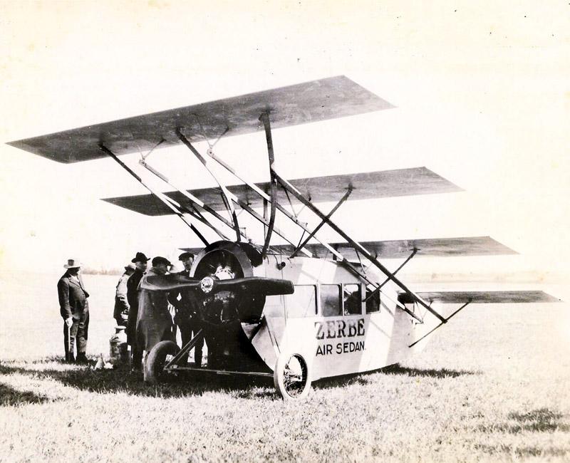 Aunque parezca increíble, este prototipo de avión de pasajeros voló en 1919, eso sí, lo hizo una sola vez y acabó bastante maltrecho en el aterrizaje.