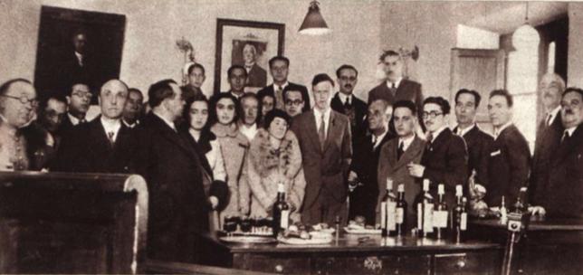 El matrimonio Lindbergh en el Ayuntamiento de Santoña.